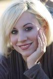 красивейшая блондинка 4 outdoors Стоковые Изображения RF