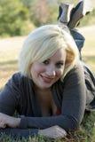 красивейшая блондинка 6 outdoors Стоковое Изображение RF