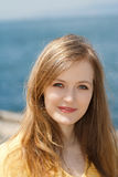 Красивейшая блондинка на пляже Стоковые Фотографии RF