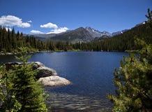 красивейшая высокая гора озера Стоковое фото RF