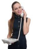 красивейшая говоря женщина телефона изолировано Стоковые Изображения