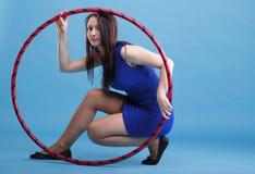 красивейшая голубая женщина обруча танцульки Стоковое Изображение