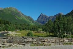 красивейшая гора Норвегия ландшафта Стоковое фото RF