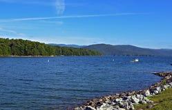 красивейшая гора озера Стоковые Фотографии RF