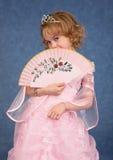красивейшая девушка вентилятора платья немногая пинк Стоковое Изображение RF
