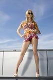 Красивейшая девушка в солнечных очках Стоковая Фотография