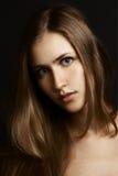 Красивейшая девушка. Здоровые длинние волосы стоковые изображения rf