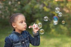 красивейшая девушка Ребенок Пузырь Стоковые Изображения