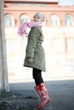 красивейшая девушка скача outdoors подростковое Стоковое Фото