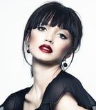 Красивейшая девушка с совершенной кожей, красной губной помадой Стоковое Фото