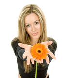 Красивейшая девушка с цветастым цветком Стоковая Фотография