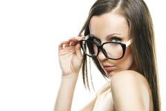 Красивейшая девушка в стильных стеклах Стоковое Изображение RF