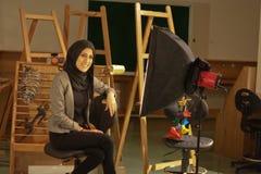 Красивейшая девушка в вуали представляя в студии фото, Гизе, Египете Стоковая Фотография RF