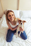 красивейшая девушка собаки Стоковая Фотография RF