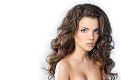 Красивейшая девушка с стилем причёсок и составом Стоковое Изображение