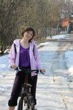 красивейшая женщина велосипеда Стоковые Изображения RF