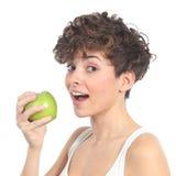 Красивейшая женщина готовая для еды яблока Стоковое Изображение