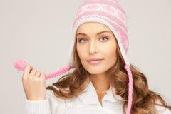 красивейшая женщина зимы шлема Стоковое Изображение