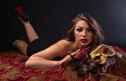 красивейшая женщина маски масленицы Стоковые Изображения