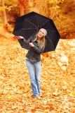 Красивейшая женщина под зонтиком Стоковая Фотография