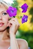красивейшая женщина портрета петуньи Стоковое Фото