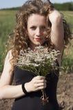 красивейшая женщина портрета цветков Стоковое Изображение RF