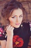 красивейшая женщина портрета outdoors стоковое изображение