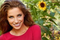 красивейшая женщина сада Стоковая Фотография