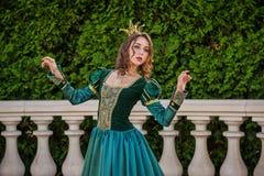 красивейшая женщина сбора винограда платья стоковое изображение rf