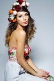 красивейшая женщина цветка кроны Стоковые Изображения