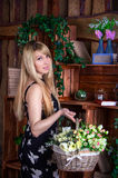 красивейшая женщина цветков Стоковые Изображения RF