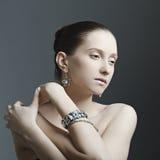 красивейшая женщина ювелирных изделий Стоковое фото RF