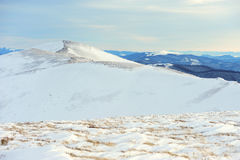 красивейшая зима восхода солнца гор ландшафта Стоковое Фото