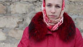 красивейшая зима девушки одежд видеоматериал