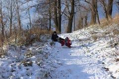 красивейшая зима дня Потеха, игры детей Стоковая Фотография RF