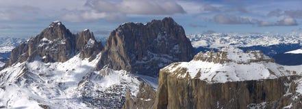красивейшая зима панорамы горы ландшафта Стоковая Фотография RF