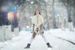 красивейшая зима портрета девушки Стоковая Фотография RF