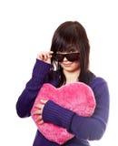 красивейшая игрушка сердца девушки брюнет Стоковые Фото