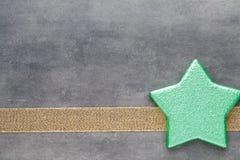 красивейшая иллюстрация рождества играет главные роли вектор Картина рождества Предпосылка на сером цвете Стоковые Изображения
