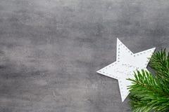 красивейшая иллюстрация рождества играет главные роли вектор Картина рождества Предпосылка на сером цвете Стоковые Фото