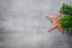 красивейшая иллюстрация рождества играет главные роли вектор Картина рождества Предпосылка на сером цвете Стоковое фото RF