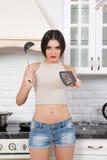 красивейшая кухня девушки Стоковые Фотографии RF