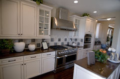 красивейшая кухня новая Стоковая Фотография