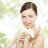 красивейшая лилия девушки цветка Стоковые Изображения RF