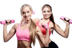 Красивейшая молодая женщина 2 делая тренировку пригодности Стоковые Изображения RF