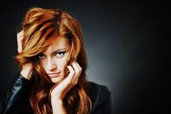 Красивейшая модель стиля причёсок способа Стоковое Изображение RF
