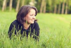 Красивейшая молодая женщина outdoors Стоковое Фото