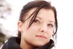красивейшая напольная женщина снежка Стоковое Изображение RF