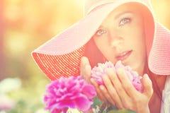 красивейшая напольная женщина портрета Стоковое Изображение RF