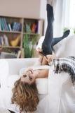 красивейшая домашняя женщина Стоковое Изображение RF